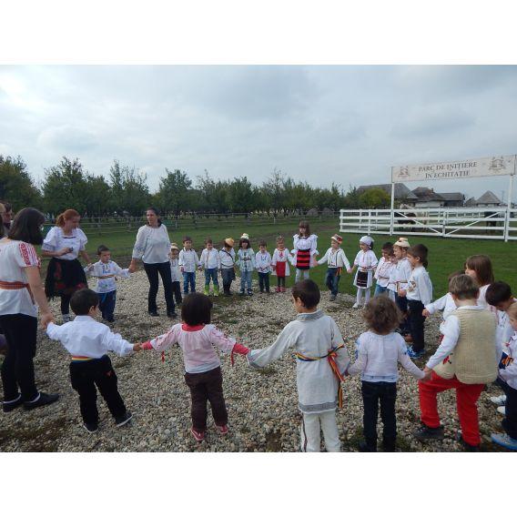 Excursie la Golesti-Pitesti, cu activitati incluse