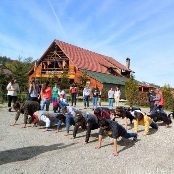 Excursie-banchet pe Valea Prahovei