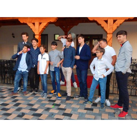 LAZY CAMP - Tabara de adolescenti la Beclean